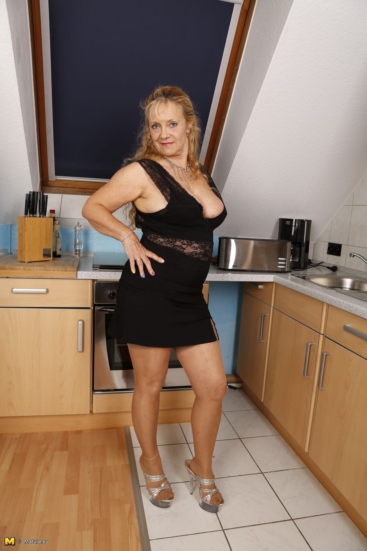 Horny German Mature Wife For More Visit Webscam Online Xvideos Com