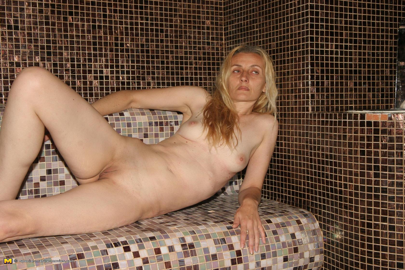 milf nackt in sauna