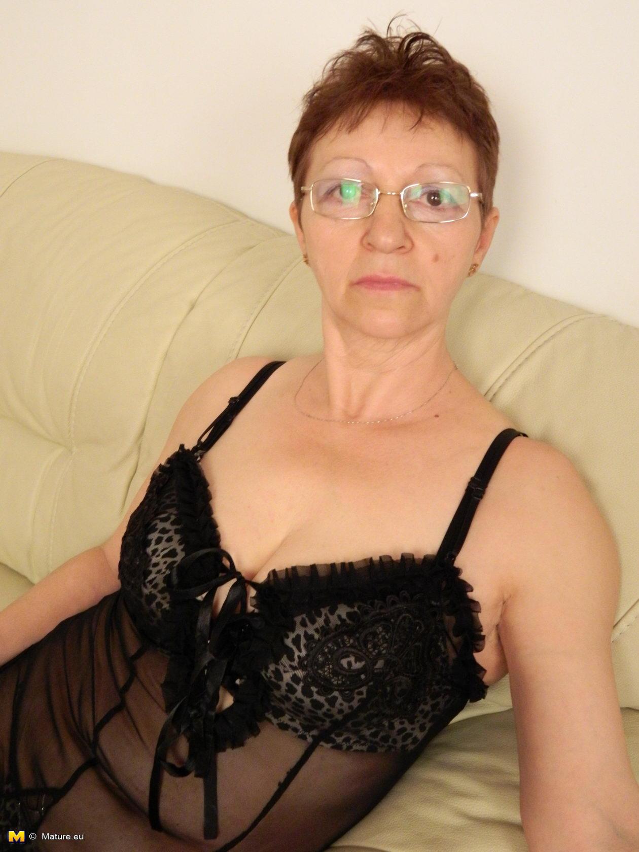 granny mature sheridan porn