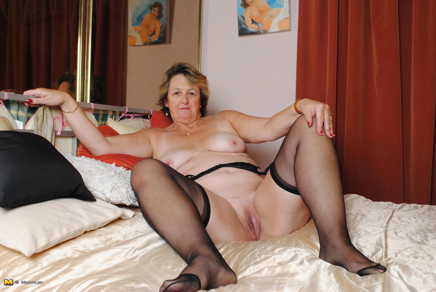 big wet mature pussy - porn tube
