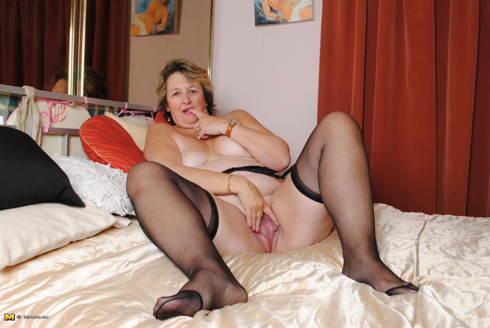 Big tit amateur wife