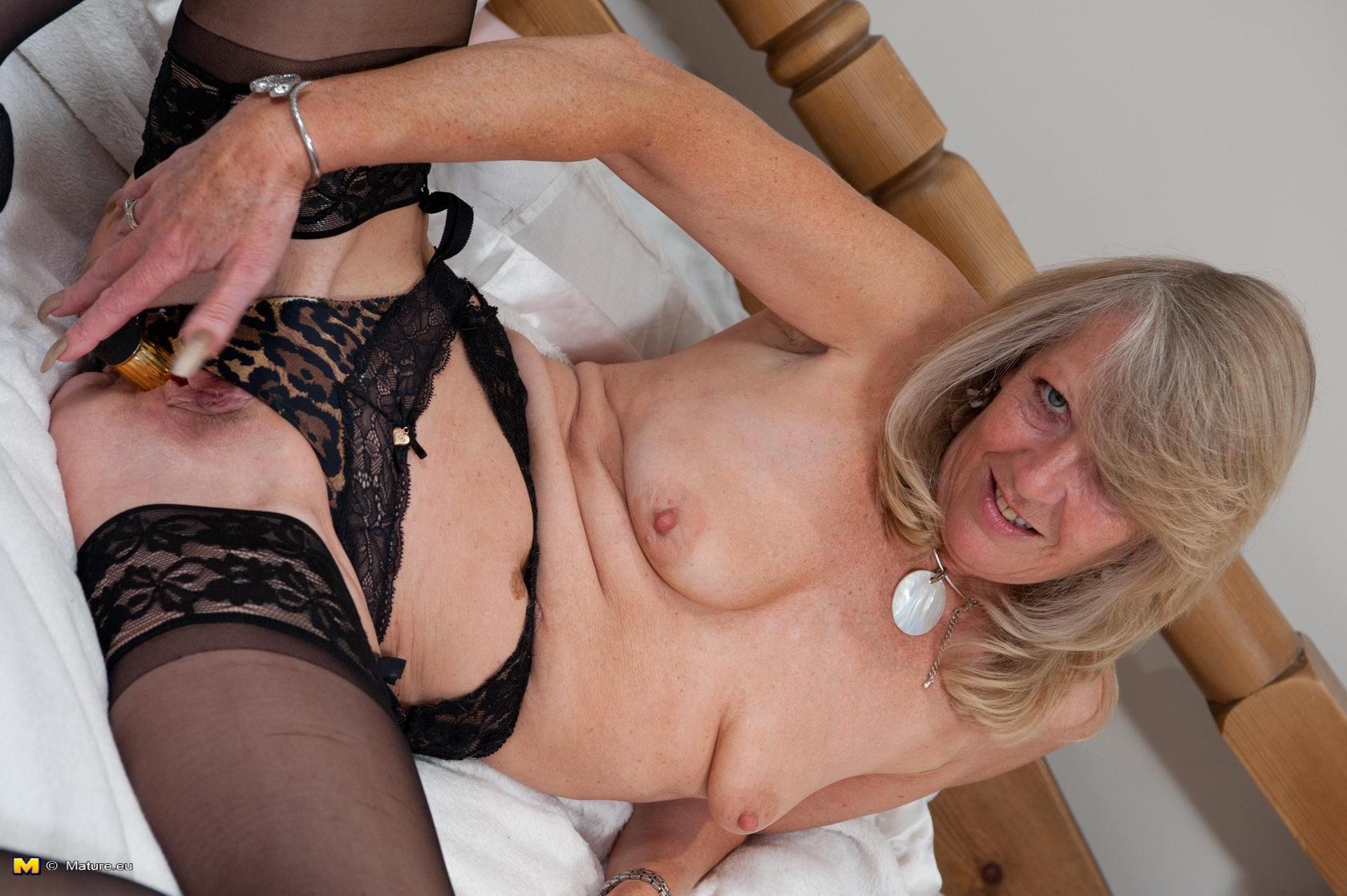 Slim Older Women Naked