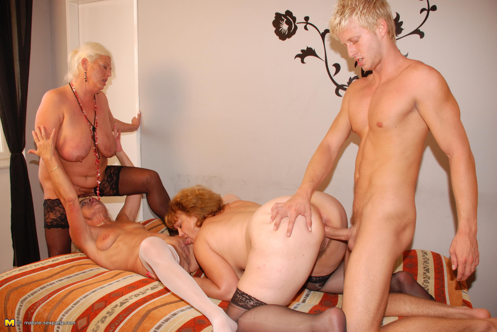 nude milf party