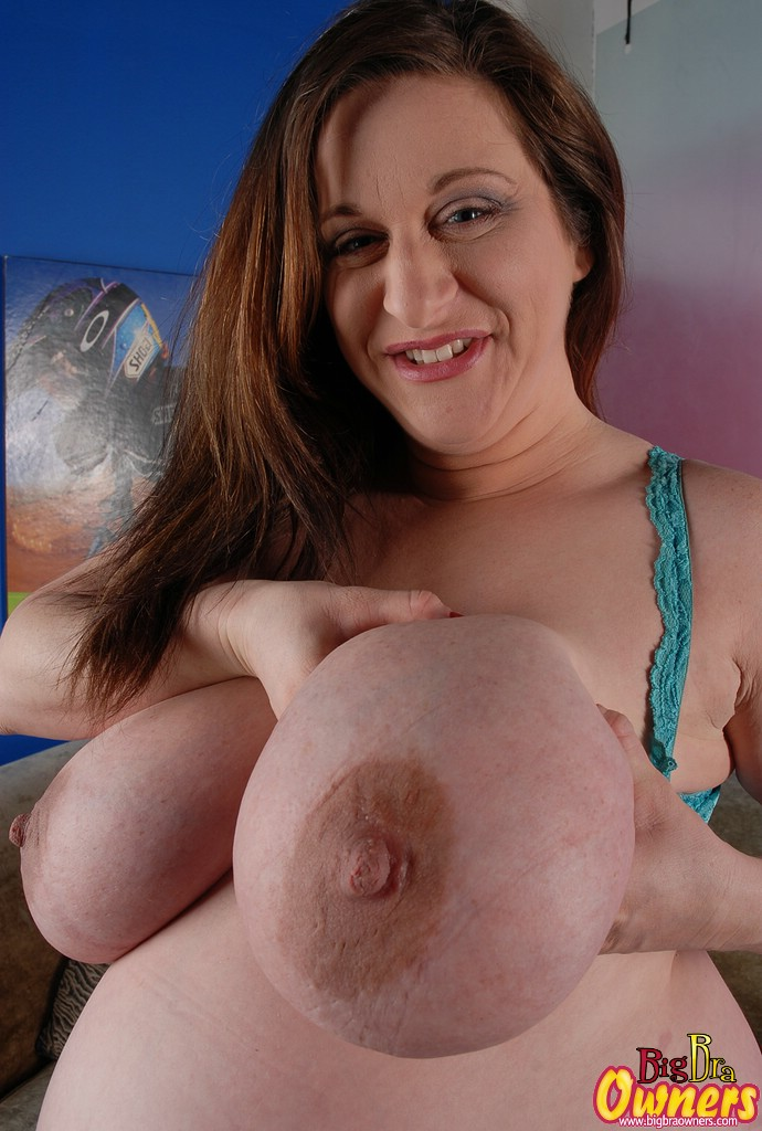 boobs pussy Big pregnant milk mom
