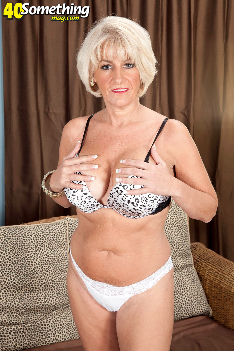 40 Something Porno im not a swinger. im not a nudist. but now im a porn star!
